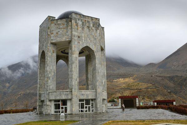 Мавзолей Ахмада шаха Масуда в Панджшерском ущелье - Sputnik Армения