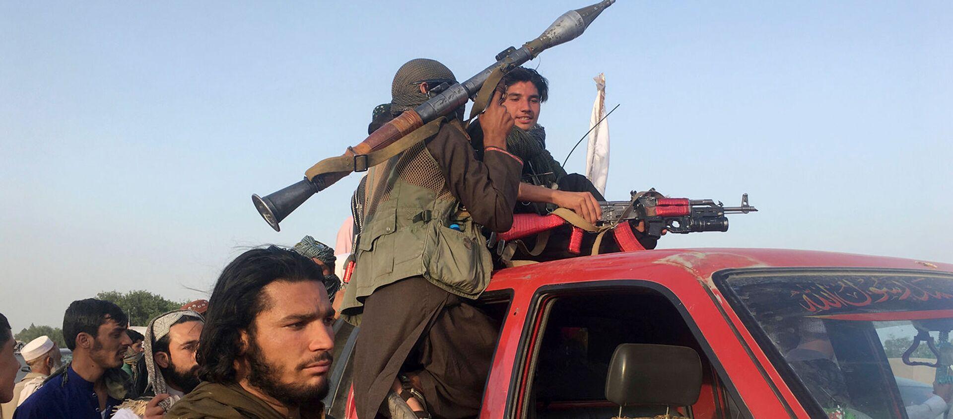 Бойцы Талибан в районе провинции Нангархар, к востоку от Кабула (16 июня 2018). Афганистан - Sputnik Արմենիա, 1920, 15.07.2021