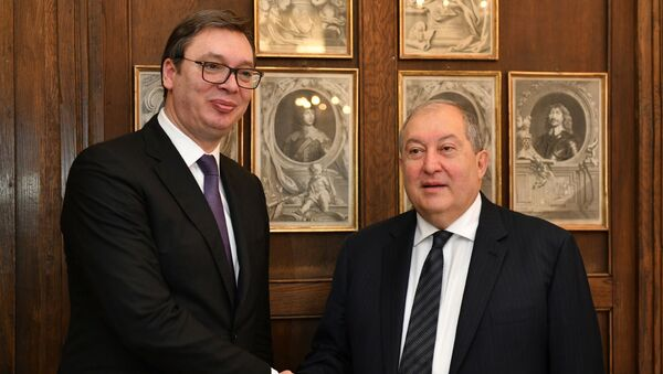 Встреча президента Армена Саркисяна  с президентом Сербии Александром Вучичем в Мюнхене - Sputnik Արմենիա