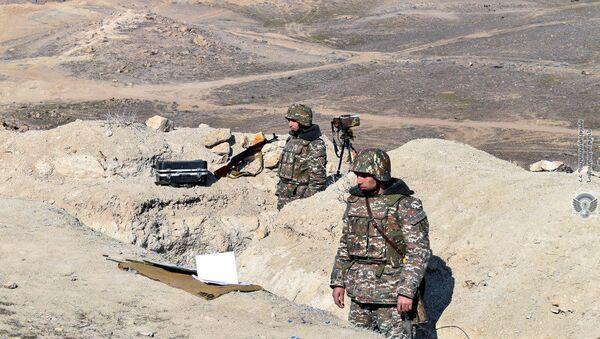 Армянские военнослужащие на учениях - Sputnik Армения