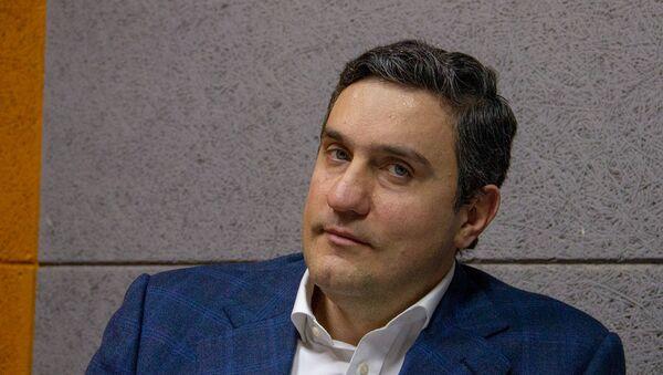 Руководитель партии Одна Армения Артур Газинян в гостях радио Sputnik - Sputnik Արմենիա