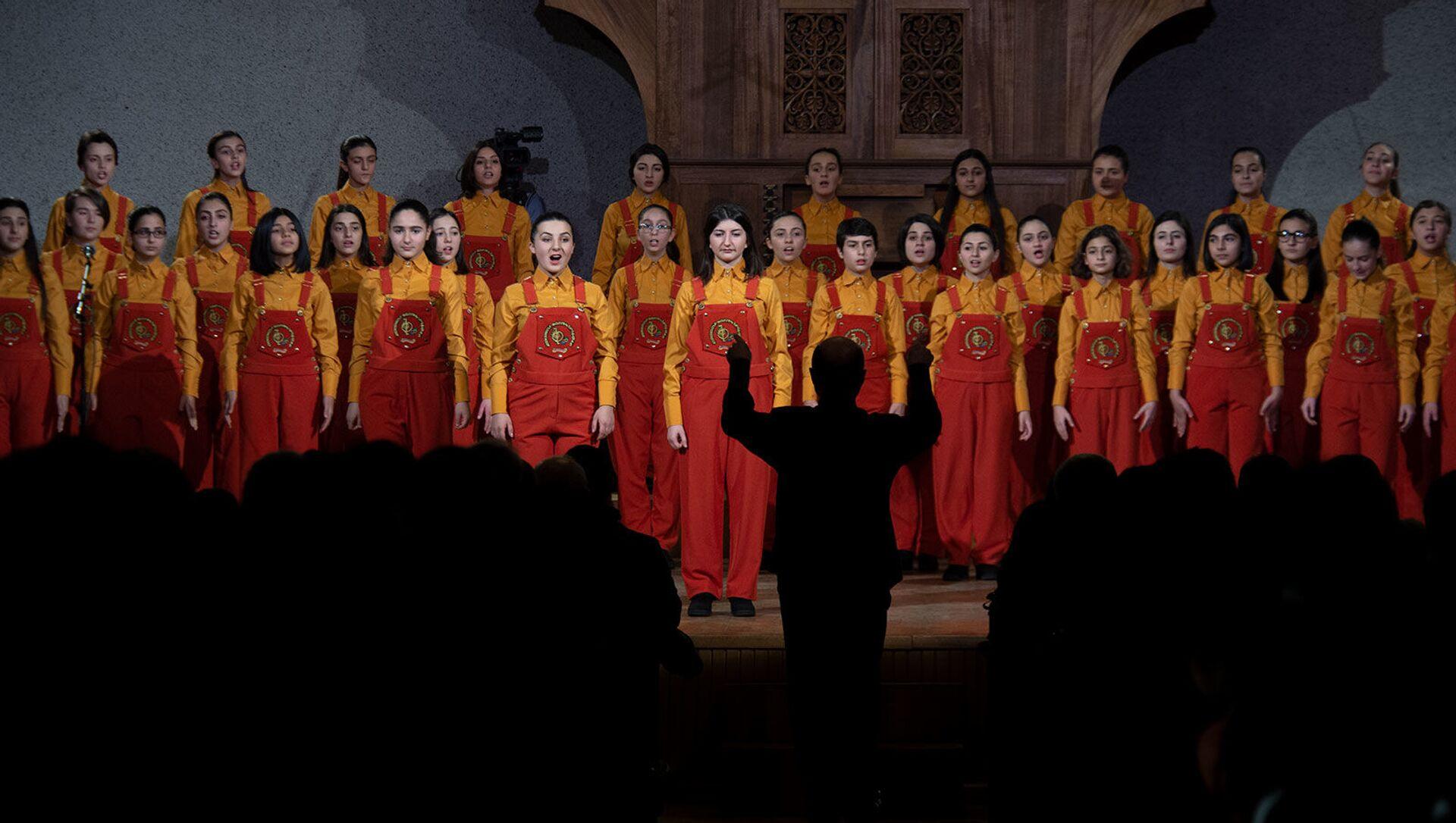 Концерт хора Маленькие певцы Армении (14 декабря 2015). Еревaн - Sputnik Армения, 1920, 01.08.2021