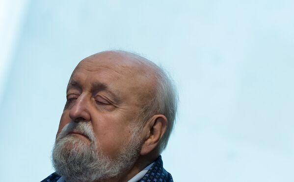 Պենդերեցկին լուռ լսում էր Կոմիտասի ծանր կյանքի համառոտ պատմությունը - Sputnik Արմենիա