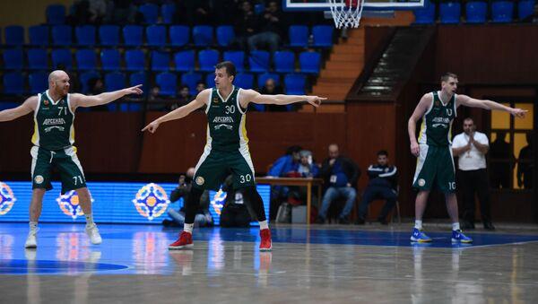 Баскетбольный матч между командами Урарту Виваро (Ереван) и Арсенал (Тула) во время кубка ЕАЭС по баскетболу (26 февраля 2019). Еревaн - Sputnik Армения