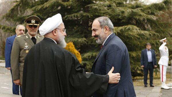 Встреча премьер-министр Армении Никола Пашиняна и президента Ирана Хасана Рухани (27 февраля 2019). Тегеран - Sputnik Армения