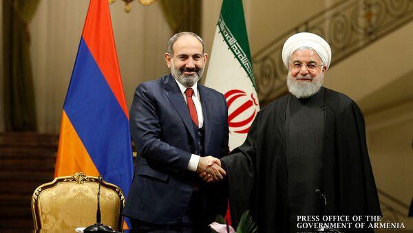 Премьер-министр Армении Никол Пашинян и президент Ирана Хасан Рухани на совместной пресс-конференции (27 февраля 2019). Тегеран - Sputnik Արմենիա
