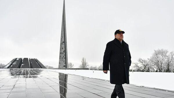 Президент Армен Саркисян посетил мемориальный комплекс Цицернакаберд (28 февраля 2019). Еревaн - Sputnik Армения
