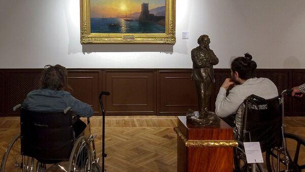 Пациенты из США и Польши посетили выставку Айвазовского - Sputnik Արմենիա