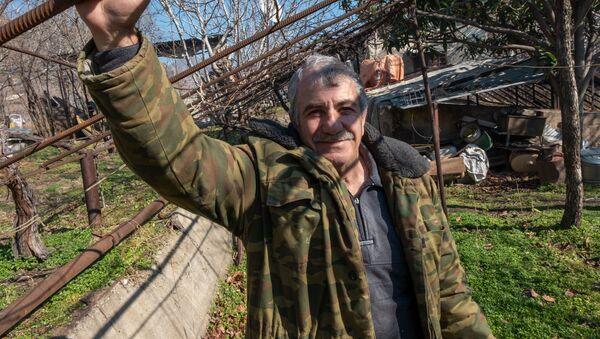 Житель города Мегри Микаэл Цатрян - Sputnik Արմենիա