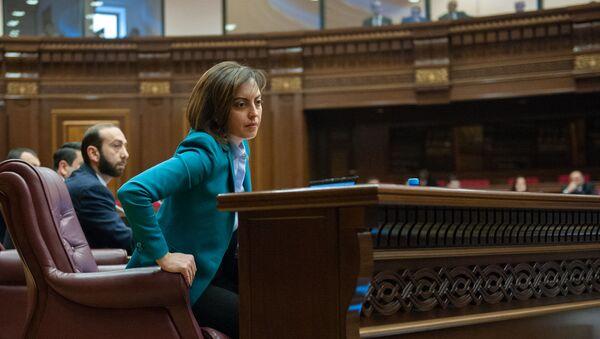 Вице-спикер НС Лена Назарян на пленарном заседании Парламента Армении (5 марта 2019). Еревaн - Sputnik Արմենիա