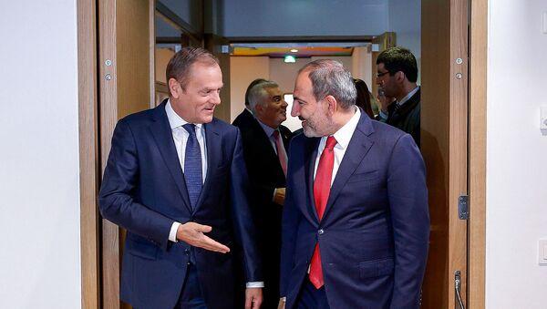 Премьер-министр Армении Никол Пашинян встретился с председателем Европейского совета Дональдом Туском (5 марта 2018). Брюссель - Sputnik Արմենիա