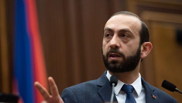 Спикер Национального собрания Арарат Мирзоян на пленарном заседании Парламента Армении (5 марта 2019). Еревaн - Sputnik Армения