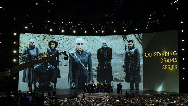 Актерский состав Игры престолов празднует награду во время 70-й премии Эмми (17 сентября 2018). Лос-Анджелес - Sputnik Армения