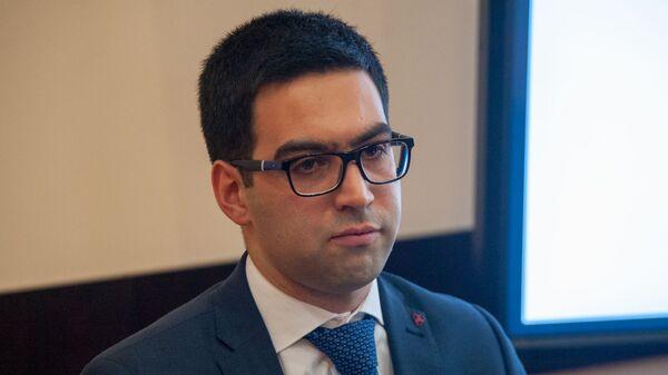 Пресс-конференция замначальника Комитета госдоходов Армении Рустама Бадасяна (11 марта 2019). Еревaн - Sputnik Армения