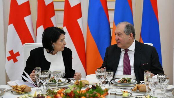 Официальный ужин в честь президента Грузии Саломе Зурабишвили (13 марта 2019). Еревaн - Sputnik Армения