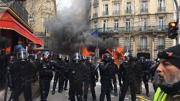 Акция протеста Желтых жилетов (16 марта 2019). Париж - Sputnik Արմենիա