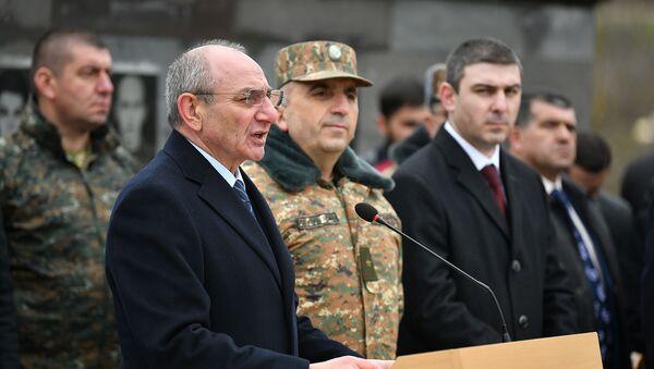Речь президента Карабаха Бако Саакян на церемонии открытия мемориала в память павших в апрельской войне солдат (1 апреля 2019). Село Магавуз - Sputnik Արմենիա