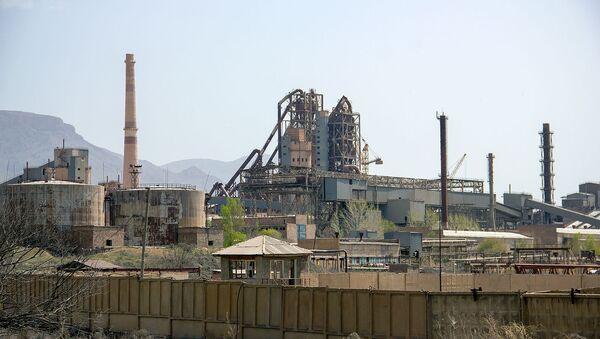 Здание завода Арарат цемент - Sputnik Армения