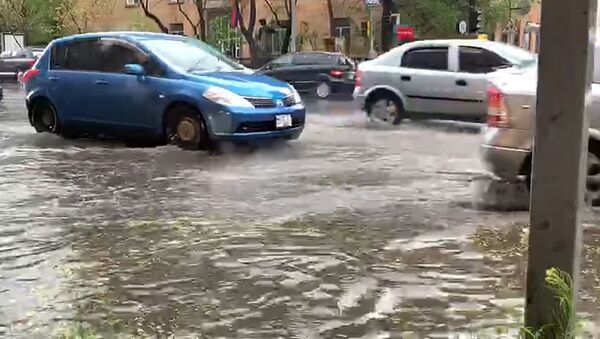Затопленные улицы в Ереване (17.04.2019) - Sputnik Армения