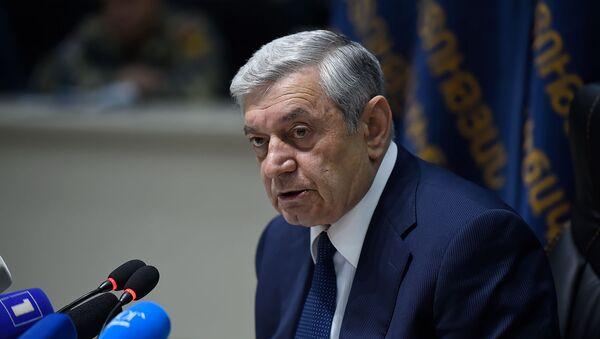 Пресс-конференция министра по чрезвычайным ситуациям Феликсa Цолакянa (19 апреля 2019). Еревaн - Sputnik Արմենիա