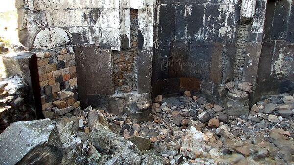 Развалины армянской церкви в Ани - Sputnik Армения