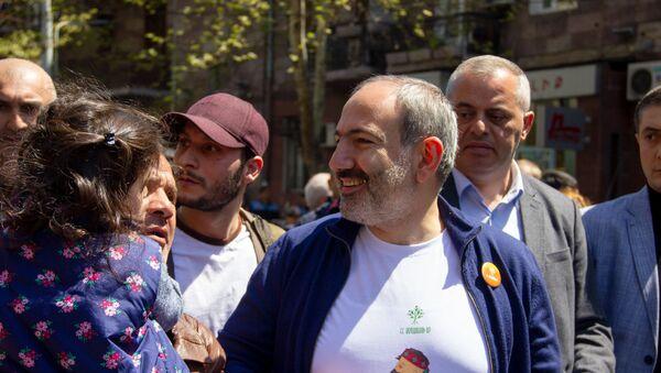 Пашинян участвует в праздновании Дня гражданина - Sputnik Армения