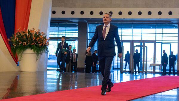 Председатель ЕЭК Тигран Саркисян прибыл на заседание Евразийского межправительственного совета (30 апреля 2019). Еревaн - Sputnik Армения