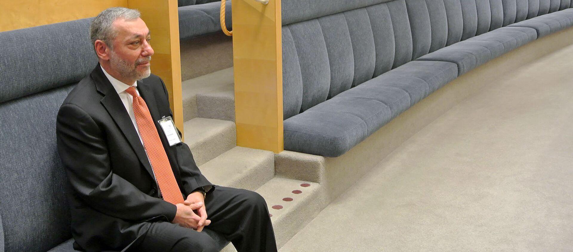 Посол Армении в Швеции Александр Арзуманян на заседании Рискдага по вопросу ратификации Соглашения о всеобъемлющем и расширенном партнерстве Армения-ЕС (2 мая 2019). Стокгольм - Sputnik Արմենիա, 1920, 31.08.2021