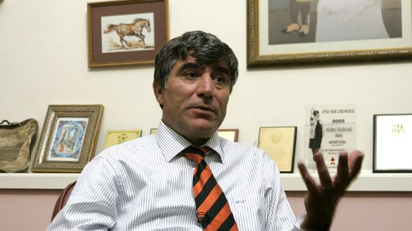 Журналист Грант Динк во время интервью Associated Press в своем офисе (2006 год). Стамбул - Sputnik Армения