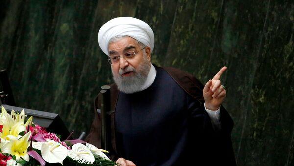 Президент Ирана Хасан Роухани на парламентской сессии (15 августа 2017). Тегеран - Sputnik Армения
