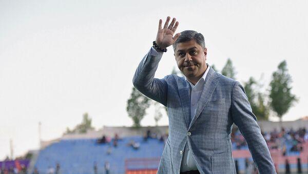 Президент ФФА Артур Ванецян перед началом финала Кубка Армении по футболу (8 мая 2019). Еревaн - Sputnik Армения