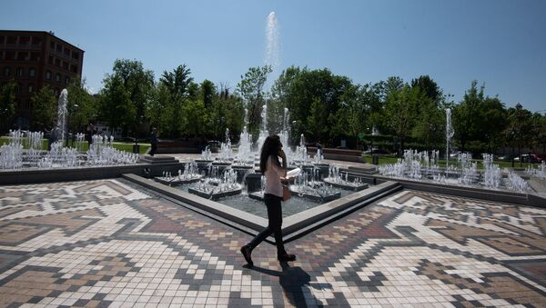 Отремонтированный парк к 2800-летию Еревана - Sputnik Արմենիա