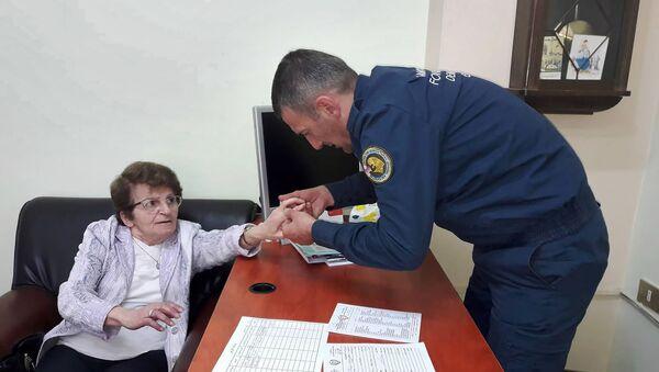 Сотрудник гуманитарной миссии Армении в Сирии  - Sputnik Արմենիա