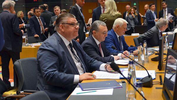 Министр иностранных дел Армении Зограб Мнацаканян в ходе заседания министров стран-участниц инициативы ЕС Восточное партнерство (13 мая 2019). Брюссель - Sputnik Армения