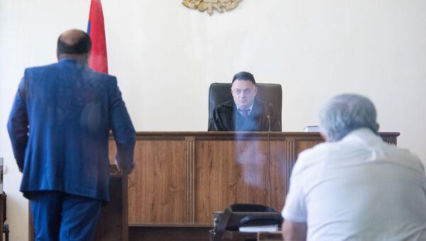 Речь адвоката Роберта Кочаряна Айка Алумяна на заседании суда по делу 1 марта (15 мая 2019). Еревaн - Sputnik Արմենիա