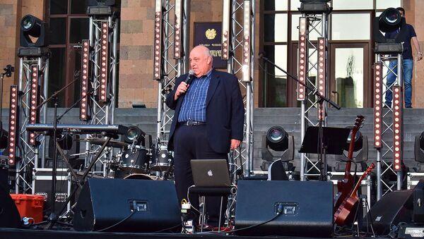 Речь ректора ЕГУ Арама Симоняна на торжественном мероприятии, приуроченном к 100-летию вуза и 25-летию студсовета (17 мая 2019). Еревaн - Sputnik Արմենիա