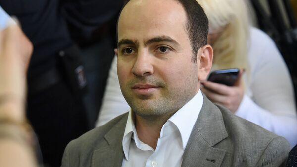 Седрак Кочарян в зале суда перед началом заседания по делу 1 марта (18 мая 2019). Еревaн - Sputnik Արմենիա