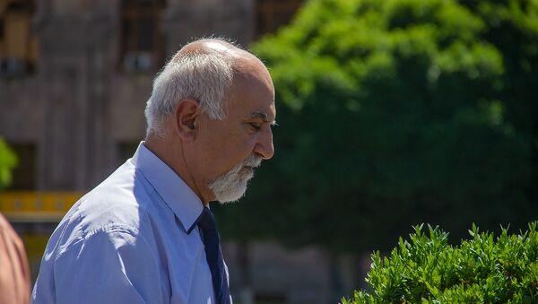 Председатель партии Национальное самоопределение Паруйр Айрикян - Sputnik Արմենիա