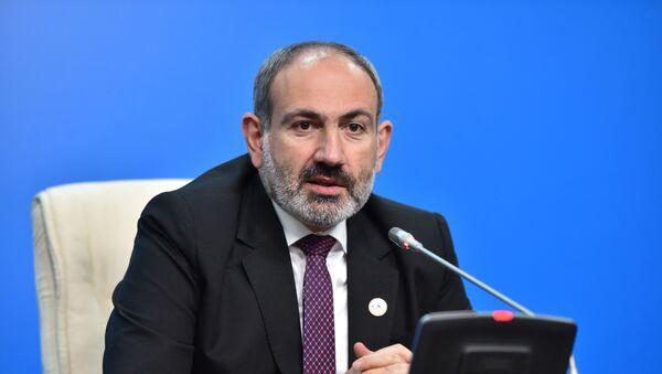 Премьер-министр Армении Никол Пашинян и председатель ЕЭК Тигран Саркисян выступили с заявлением для прессы (29 мая 2019). Нур-Султан - Sputnik Արմենիա