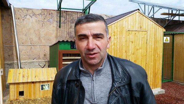 Гарник Гулканян, пчеловод, производитель органического меда из г. Ноемберян - Sputnik Армения