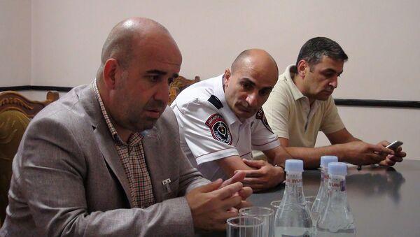 Губернатор Ширака Тигран Петросян встретился с начальником управления полиции по Ширакской области - Sputnik Армения