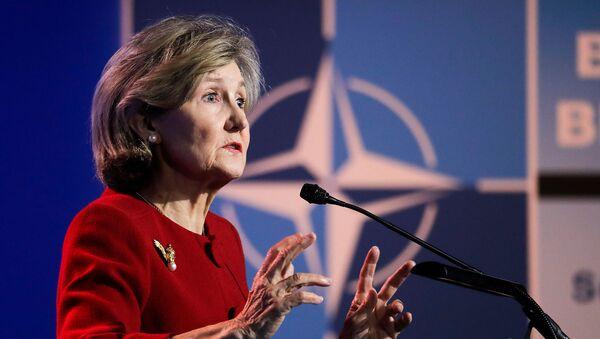 Постпред США в НАТО Кей Бейли Хатчисон на пресс-конференции в штаб-квартире НАТО накануне саммита глав государств и правительств НАТО (10 июля 2018). Брюссель - Sputnik Армения
