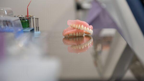 Зубные протезы - Sputnik Армения