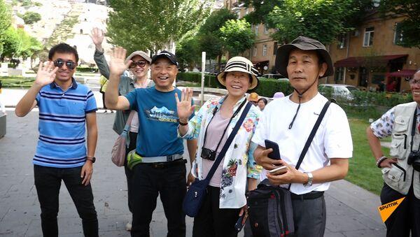 Как отдыхают в Ереване туристы из Китая  - Sputnik Արմենիա