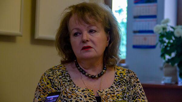 Председатель Армянской ассоциации учителей русского языка и литературы Лилия Баласанян во время интервью агенству Sputnik Армения (6 июня 2019). Еревaн - Sputnik Армения