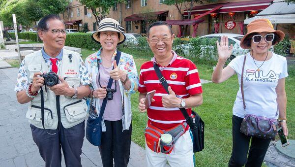 Туристы из Китая в Ереване - Sputnik Армения