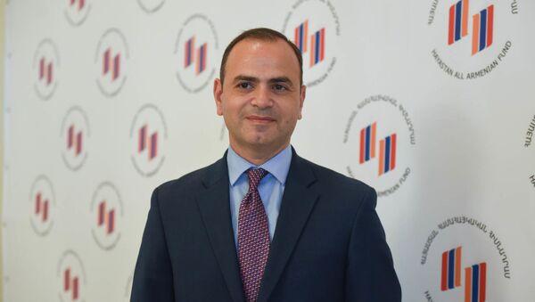 Главный комиссар по делам диаспоры Заре Синанян во время ежегодного совета попечителей всеармянского фонда Айастан (18 июня 2019). Еревaн - Sputnik Արմենիա