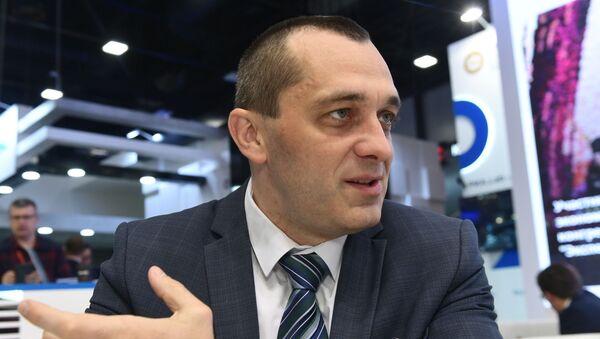Министр по промышленности и АПК ЕЭК Александр Субботин во время интервью на стенде МИА Россия сегодня (6 июня 2019). Санкт-Петербург - Sputnik Армения