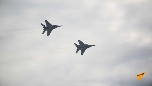 На аэродроме «Эребуни» в Ереване состоялось авиашоу и выставка военной техники. - Sputnik Армения
