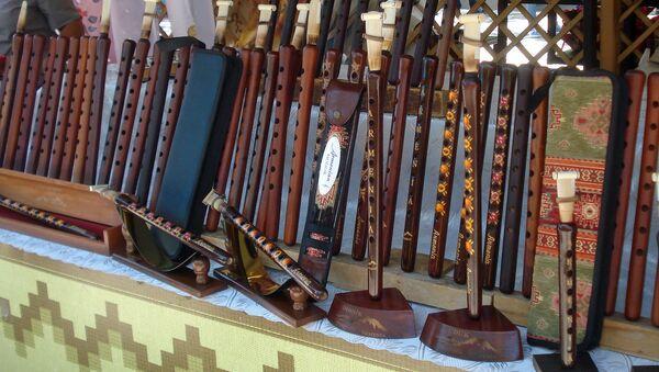 Павильон дудука на ярмарке Вернисаж в Ереване - Sputnik Արմենիա
